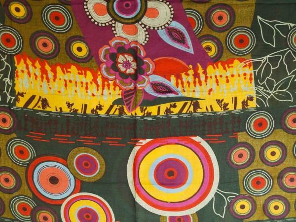 Loop Schal in Trendigen Farben und Design